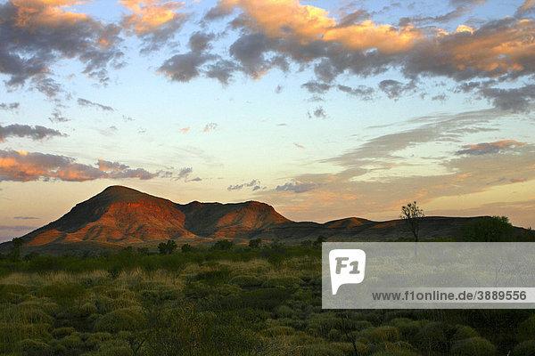 Mount Bruce at sunset  Karijini National Park  Pilbara  Northwest Australia