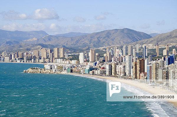 Meer  Übersicht  Hochhäuser  Playa de Levante  Levante  Strand  Benidorm  Costa Blanca  Provinz Alicante  Spanien  Europa