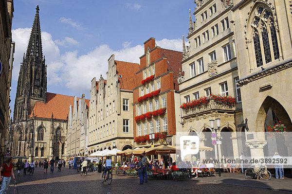 Prinzipalmarkt mit Kirche St. Lamberti  Münster  Nordrhein-Westfalen  Deutschland  Europa