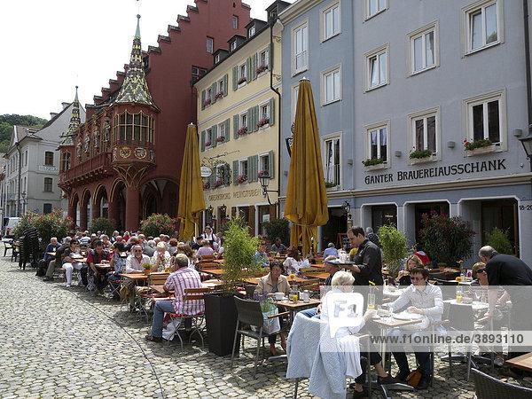 Restaurants am Münsterplatz  Kaufhaus hinten  Freiburg im Breisgau  Baden-Württemberg  Deutschland  Europa