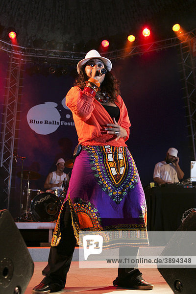 Nicole Hadfield  singer and frontwoman of the German soul and R & B band Groove Guerrilla live at the Blue Balls Festival  Pavillon am See  Lucerne  Switzerland