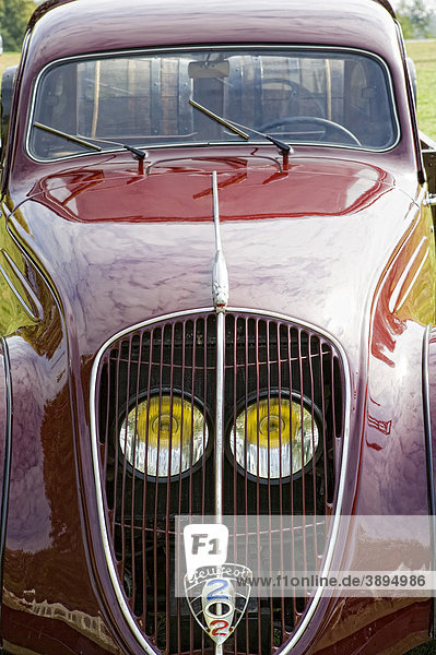 Oldtimer Fahrzeug Peugeot 202 Pick-Up  Frontansicht