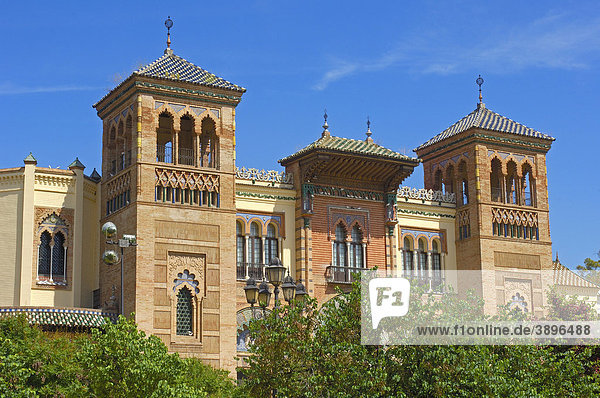 Museum für Volkskunst und Brauchtum MudÈjar-Pavillon im Maria Luisa Park  Sevilla  Andalusien  Spanien  Europa