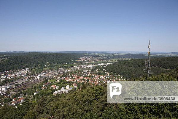 Blick vom Spiegelslustturm auf die Marburger Innenstadt  den Marburger Rücken und das Gladenbacher Bergland  Marburg  Hessen  Deutschland  Europa