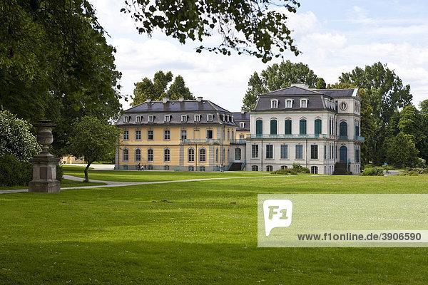 Lust- und Jagdschloss Wilhelmsthal des Landgrafen von Hessen-Kassel im Stil des Rokoko  Schlosspark  Calden  Hessen  Deutschland  Europa