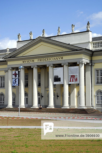 Kunsthalle  Museum Fridericianum  Friedrichsplatz  Kassel  Hessen  Deutschland  Europa