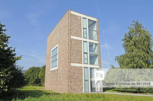Moderne Architektur  Gebäude  ehemalige Raketenstation  Kunstmuseum  Langen Foundation  Architekt Tadao Ando  Hombroich  Kreis Neuss  Nordrhein-Westfalen  Deutschland  Europa