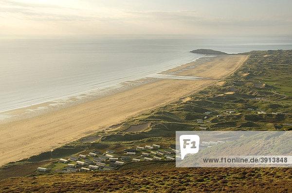 Wohnmobile  Caravan  Siedlung in den Sanddünen  Rhossili Beach  Gower Peninsula  Wales  Großbritannien  Europa