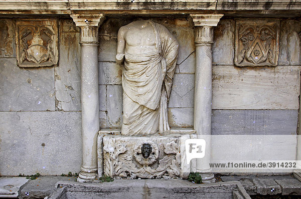 Bembo Fountain  1588  Heraklion or Iraklion  Crete  Greece  Europe