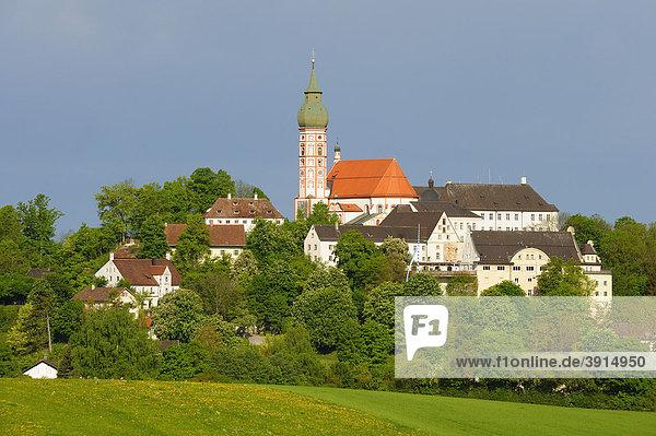 Kloster Andechs  Benediktinerkloster  Ammersee  Fünfseenland  Oberbayern  Bayern  Deutschland  Europa