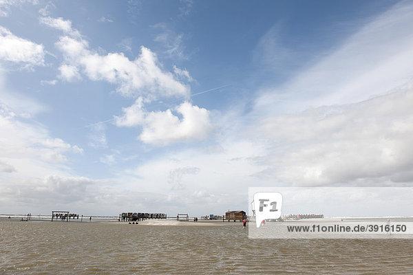 Überfluteter Strand von St. Peter-Ording  Nordsee  Nordfriesland  Norddeutschland  Deutschland  Europa