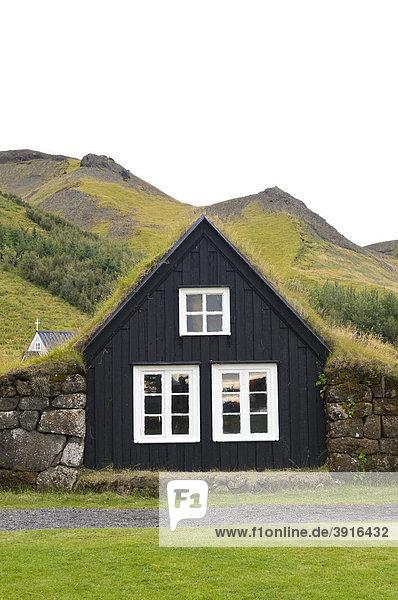Holzhäuser in Skogar  Island  Europa