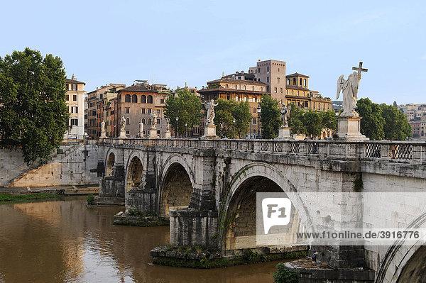 Engelsbrücke  Ponte Sant'Angelo  über den Tiber  Rom  Italien  Europa