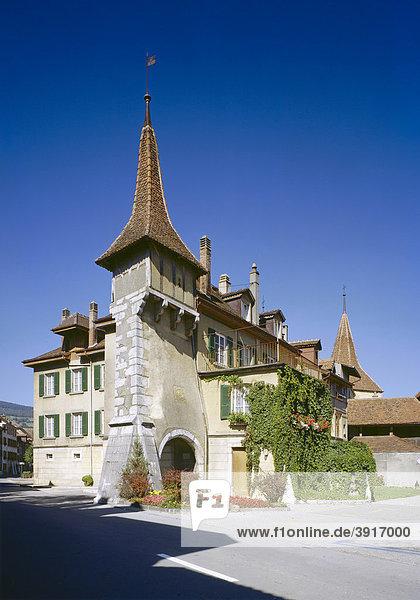 Tortürme aus dem 16. und 17. Jh.  Le Landeron am Bieler See  Kanton Neuenburg  Schweiz  Europa