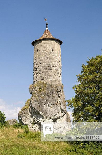 Der Steinerne Beutel ist Wahrzeichen und Turm der Burganlage von Waischenfeld  Wiesenttal  Fränkische Schweiz  Franken  Bayern  Deutschland  Europa