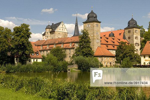 Am Weiher gelegenes Schloss Thurnau  Fränkische Schweiz  Franken  Bayern  Deutschland  Europa