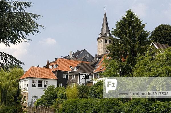 Der Kirchberg von Alt-Kettwig in Essen  Ruhrgebiet  Nordrhein-Westfalen  Deutschland  Europa
