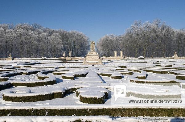 Venusinsel im Winter  Schlosspark  Schloss Nordkirchen  Münsterland  Nordrhein-Westfalen  Deutschland  Europa