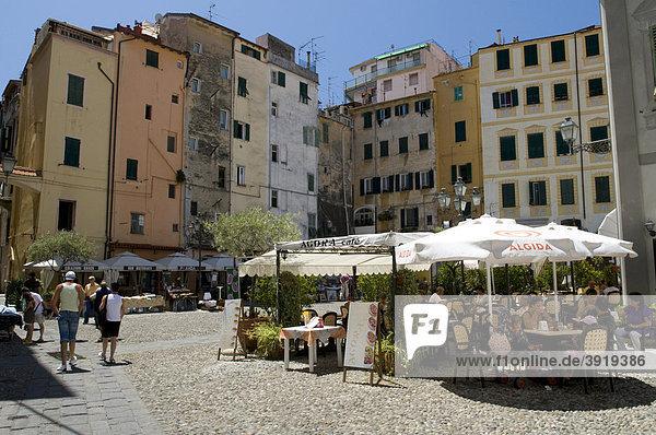 Piazza San Siro in der Altstadt  San Remo  Riviera  Ligurien  Italien  Europa
