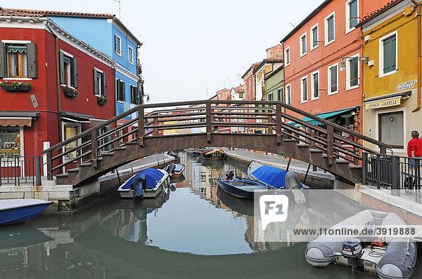 Kanalbrücke  Burano  Venedig  Venetien  Italien  Europa
