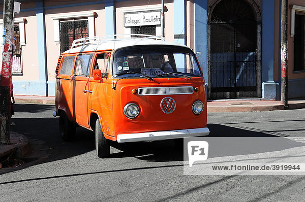 Alter VW Bus Modell T1  Leon  Nicaragua  Zentralamerika Alter VW Bus Modell T1, Leon, Nicaragua, Zentralamerika