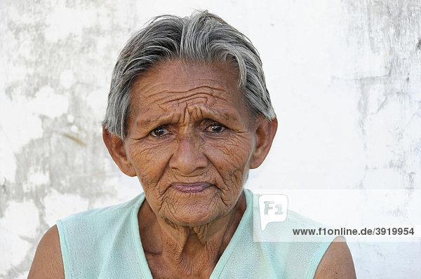 Ältere Frau  Portrait  Leon  Nicaragua  Zentralamerika