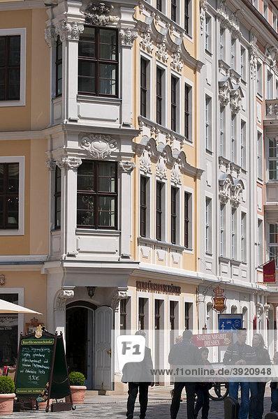 Haus mit Erker am Neumarkt  Altstadt  Dresden  Sachsen  Deutschland  Europa