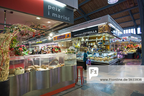 Markt  Stadtteil Gracia  Barcelona  Katalanien  Spanien  Europa