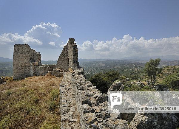 Reste der Johanniterburg  Asklipio  Rhodos  Griechenland  Europa