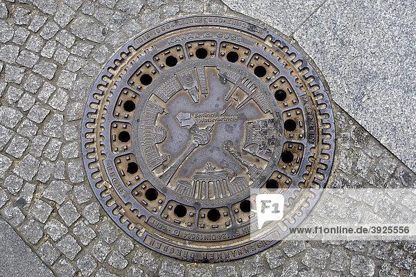 Gullydeckel der Berliner Wasserbetriebe  Berlin  Deutschland  Europa