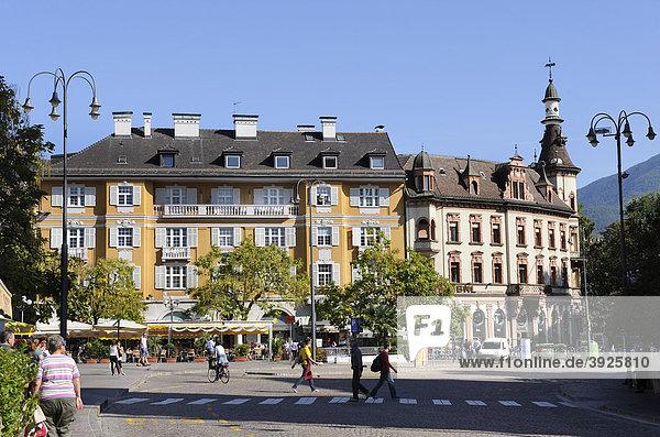 Häuser am Walther Platz  Bozen  Bolzano  Südtirol  Tirol  Italien  Europa