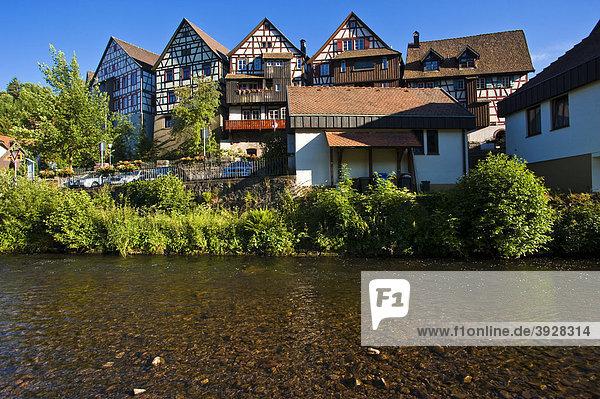 Ortsbild mit Fluss Kinzig  Schiltach  Schwarzwald  Baden-Württemberg  Deutschland  Europa
