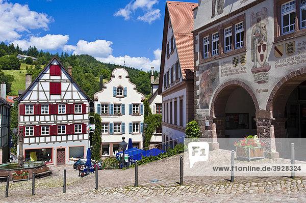 Marktplatz und Rathausfassade  Schiltach  Schwarzwald  Baden-Württemberg  Deutschland  Europa