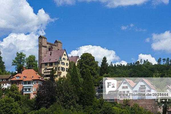 Burg Berneck mit Schildmauer Hoher Mantel  Berneck  Schwarzwald  Baden-Württemberg  Deutschland  Europa