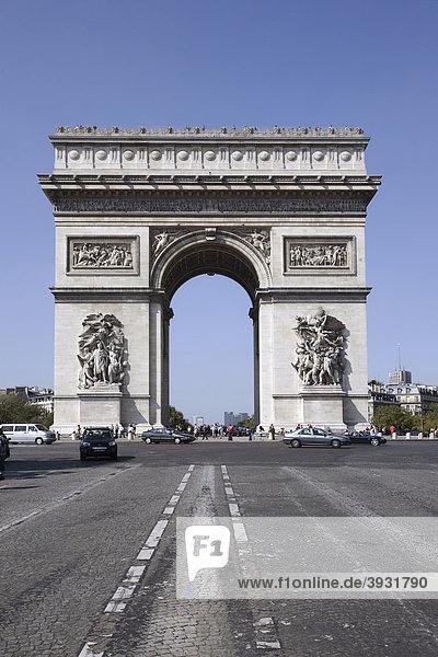 Arc de Triomphe Triumphbogen  Paris  Frankreich  Europa
