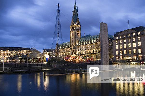Rathaus  Rathausmarkt und Alsterfleet  Hamburg  Deutschland  Europa