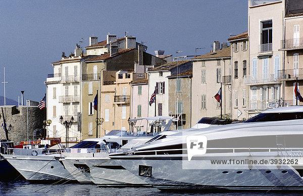 Saint-Tropez  marina with luxury yachts  Provence-Alpes-Cote d'Azur  Var  Southern France  France  Europe