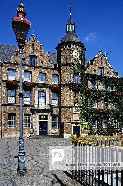 Historisches Rathaus  Marktplatz  Altstadt  Düsseldorf  Nordrhein-Westfalen  Deutschland  Europa