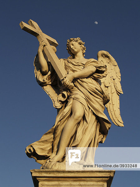 Engelsstatue auf der Engelsbrücke  Rom  Italien  Europa