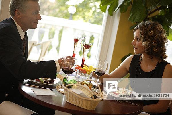 Paar beim Dinner