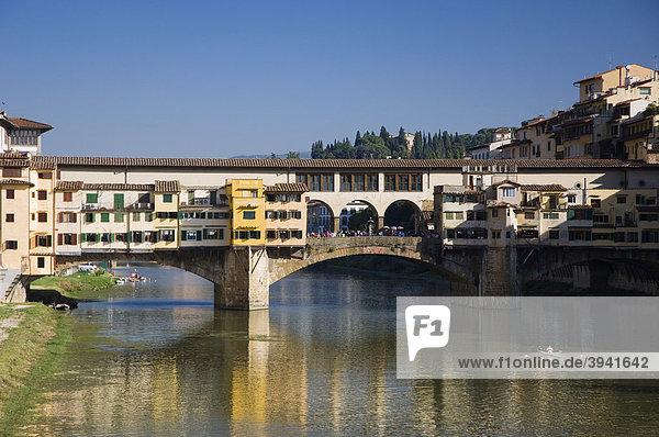 Ponte Vecchio  Arno Fluss  Florenz  Toskana  Italien  Europa