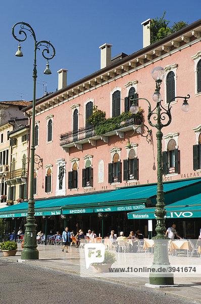 Piazza Bra  Restaurant  Verona  Venetien  Italien  Europa