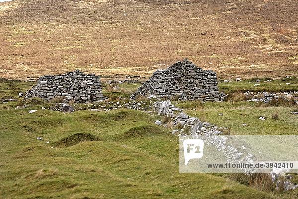 Reste des verlassenen Dorfes Achill  County Mayo  Irland  Europa