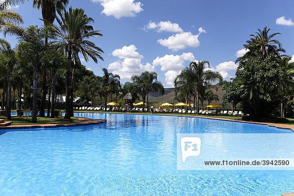Hotel Cascades  Swimmingpool  Sun City Vergnügungspark  Nordwest-Provinz  Südafrika  Afrika