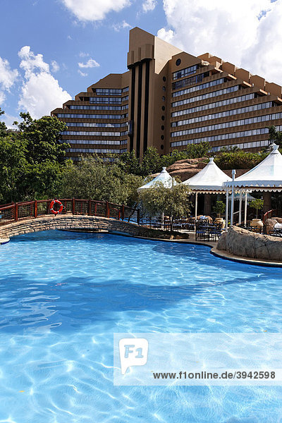 Hotel Cascades und Swimmingpool  Sun City Vergnügungspark  Nordwest-Provinz  Südafrika  Afrika
