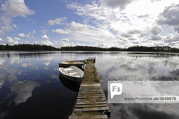 See mit Steg  Tividen Nationalpark  Schweden  Europa