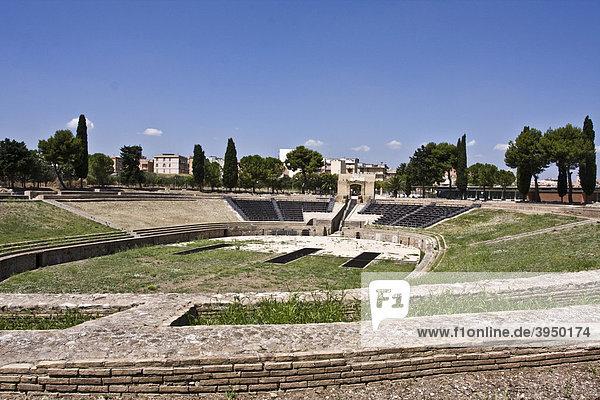 Amphitheater  augustinische Zeit 63 v. Chr. - 14 n. Chr.  Lucera  Apulien  Apulien  Italien  Europa