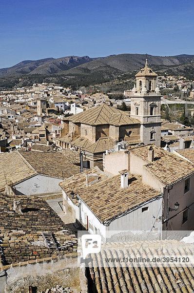 Stadtübersicht  Dächer  Kirche  Caravaca de la Cruz  heilige Stadt  Murcia  Spanien  Europa