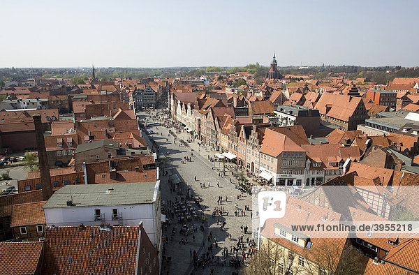 Townscape with square Am Sande  Lueneburg  Lower Saxony  Germany  Europe