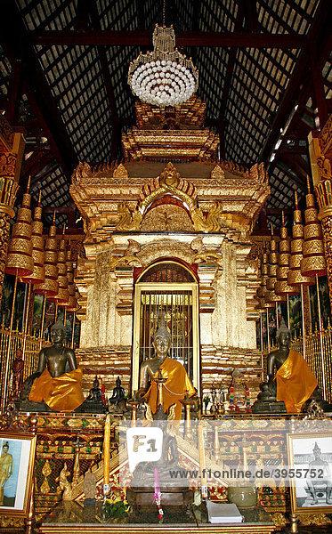 Buddha  Wat Chiang Man  buddhistische Tempelanlage  Chiang Mai  Thailand  Asien